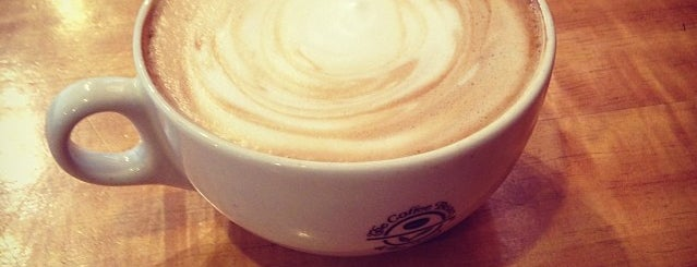 The Coffee Bean & Tea Leaf is one of Heatherさんのお気に入りスポット.