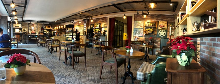 Lavinnia Coffee is one of สถานที่ที่บันทึกไว้ของ Didem.