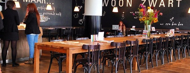 Nationale-Nederlanden Douwe Egberts Café is one of (Temp) Best of Rotterdam.
