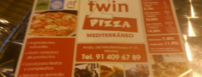 Twin Pizza is one of Donde comer/cenar.