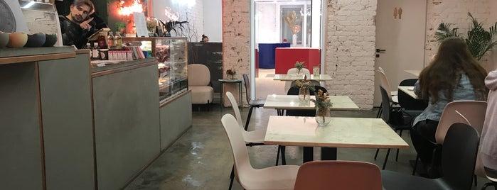 SML Deli Coffee Shop is one of msk.