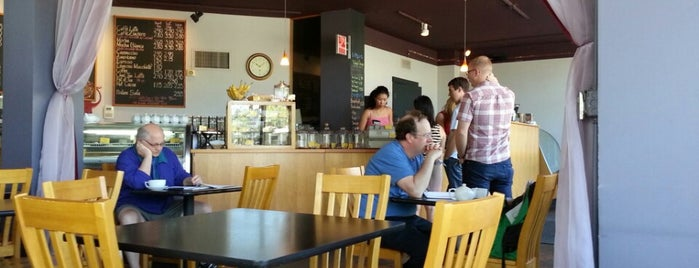 Caffe Zingaro is one of สถานที่ที่ Charlie ถูกใจ.
