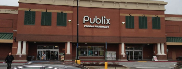 Publix is one of สถานที่ที่ Donna ถูกใจ.