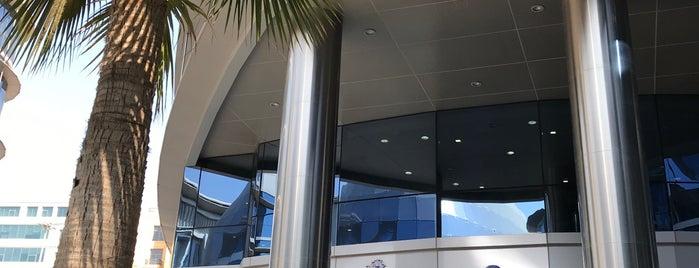 Icon Medical Center is one of Locais curtidos por Karol.