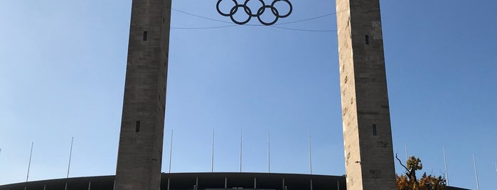 Olympiastadion is one of Rhysさんのお気に入りスポット.