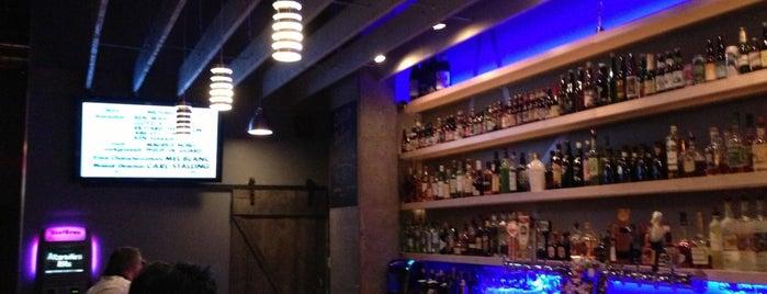 Star Bar is one of Locais curtidos por Julia.
