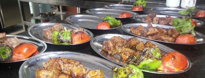 Küşlemeci Mehmet Usta is one of Yöresel Yemekler | Gaziantep.