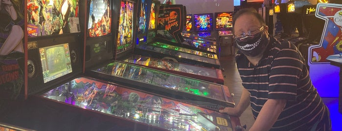 Starfighter Arcade is one of สถานที่ที่ Geof ถูกใจ.