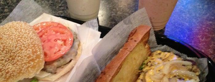 Bonzo's Magic Burger is one of Posti salvati di Christopher.