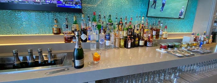 American Airlines Flagship Lounge is one of jordiさんのお気に入りスポット.