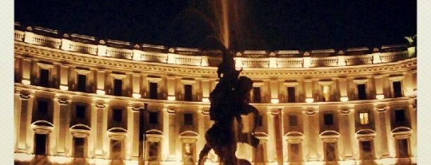 Piazza della Repubblica is one of Roma.