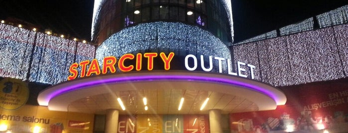 Starcity Outlet is one of Locais curtidos por Simge.