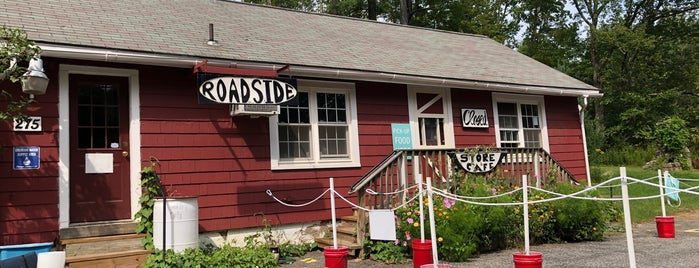 Roadside Store & Café is one of RESTAURANTS WE CAN'T LOSE_ME List.