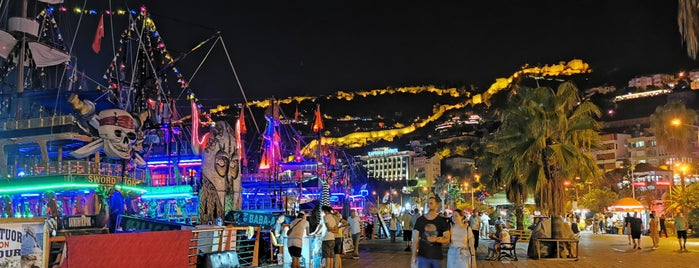 Alanya Marina is one of Locais curtidos por dnz_.