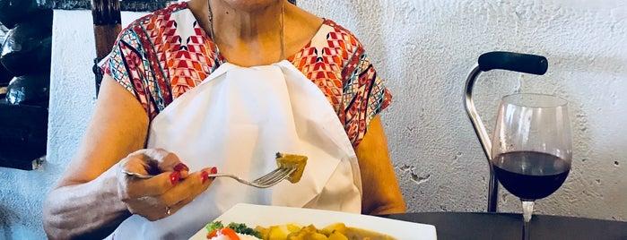 José Antonio Restaurante is one of Lieux qui ont plu à Patty.