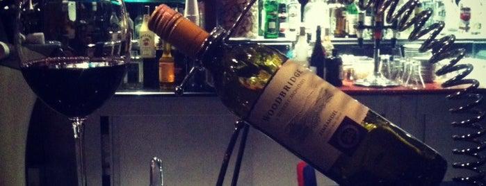 Robinson Lobby Bar is one of Lugares favoritos de Papyon Cicek / Kemer.