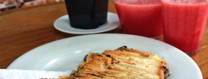 Bergamota Café is one of Bares e restaurantes em São Paulo.