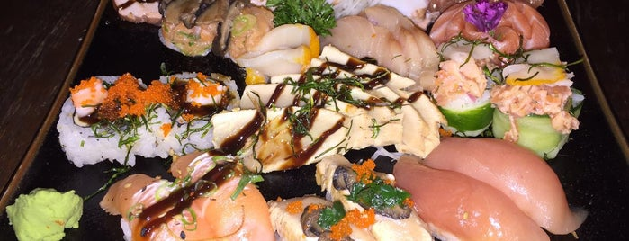Sushi by Cleber is one of Locais curtidos por Gustavo.