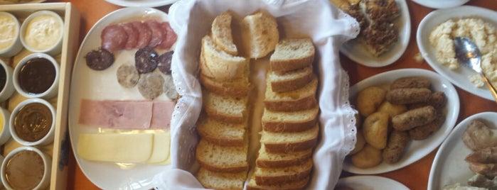Café Colonial Walachay is one of Locais curtidos por K..