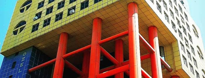 Dünya'nın en saçma binası is one of Gidilen Mekanlar 3.