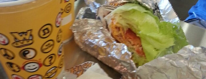 Which Wich? Superior Sandwiches is one of Lieux qui ont plu à Cynthia.