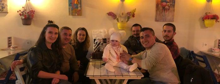 Marina Cafe is one of Hamdi ile gezelim yiyelim.