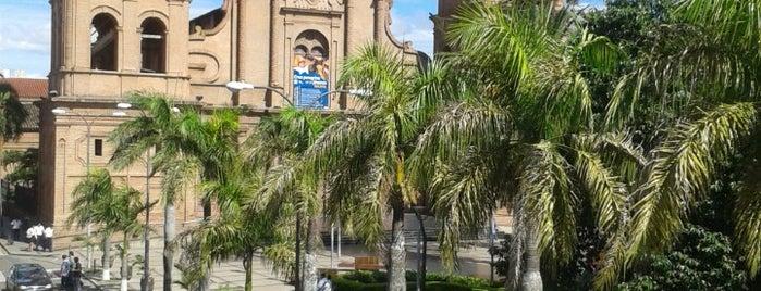 Plaza 24 de Septiembre is one of 100% Santa Cruz.