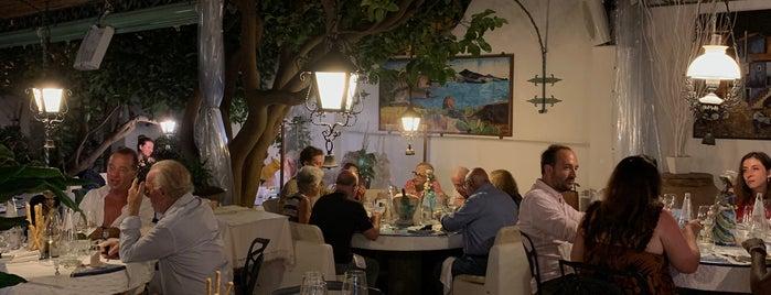 E'Pulera is one of สถานที่ที่บันทึกไว้ของ Matteo.