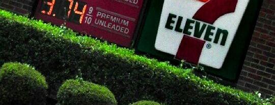 7-Eleven is one of Lieux qui ont plu à Angela.