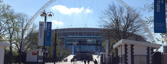 Estadio de Wembley is one of Inglaterra.