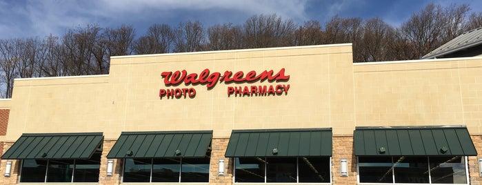 Walgreens is one of Lieux qui ont plu à Gina.