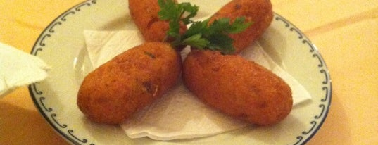Alentejo Cozinha Portuguesa is one of Locais curtidos por Larissa.