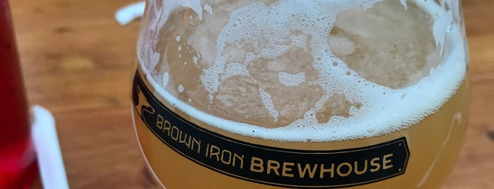 Brown Iron Brewhouse Washington Township is one of Orte, die Jason gefallen.