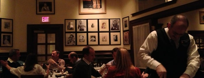 Gallagher's Steakhouse is one of USA i Oktober.