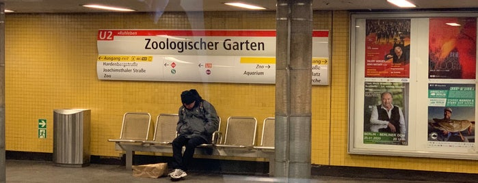 U Zoologischer Garten is one of Cristiさんのお気に入りスポット.