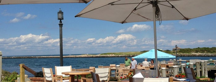 Gosman's Restaurant is one of Montauk.