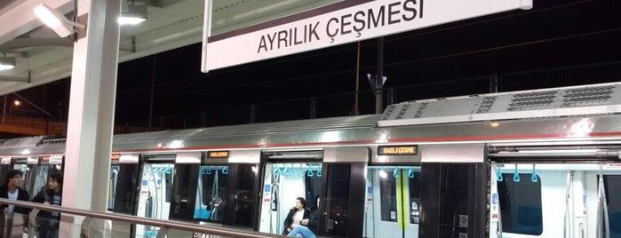 Marmaray Ayrılıkçeşme İstasyonu is one of Locais curtidos por (((ekin))).