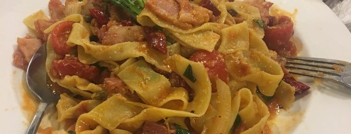 La Pasta is one of Favoriten.