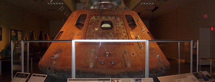 National Museum of the US Air Force is one of From the Earth to the Moon, Apollo CSM's.