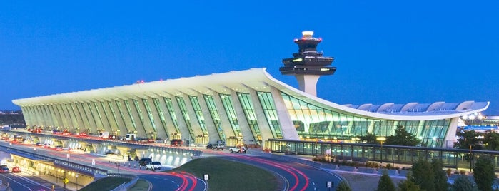 Washington Dulles International Airport is one of Aeroporto.