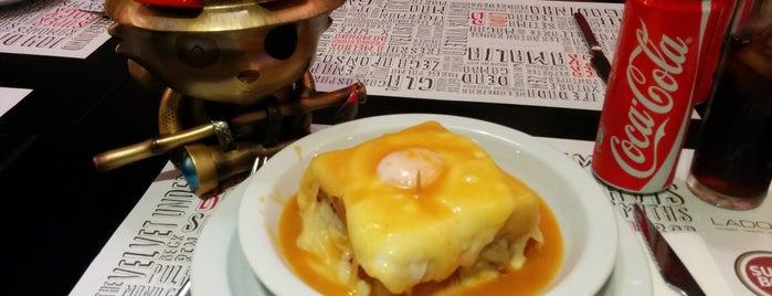 Lado B (Antigo Café Astronauta) is one of Porto.