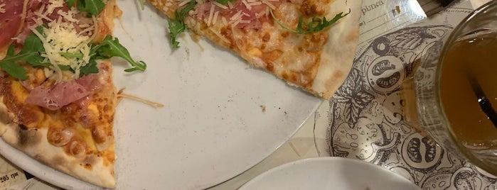 Monysto pizza is one of Posti che sono piaciuti a Askenald Field.