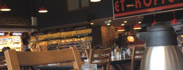 Bilgiçler Et & Köfte & Kasap & Kahvaltı Salonu is one of Posti che sono piaciuti a Emrah.