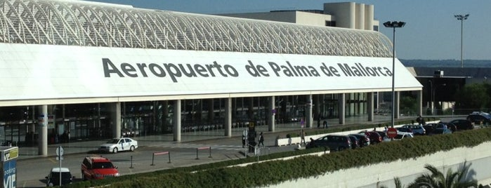 Aeroporto de Palma de Maiorca (PMI) is one of Locais curtidos por Francisco.