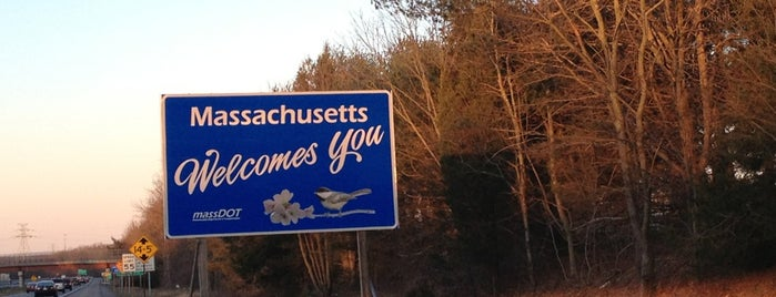 Massachusetts / Rhode Island State Line is one of Mo's Liked Places.