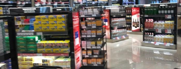 The Shop - Duty Free is one of สถานที่ที่ Sarah ถูกใจ.