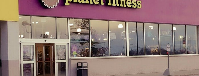 Planet Fitness is one of Tempat yang Disukai Amby.