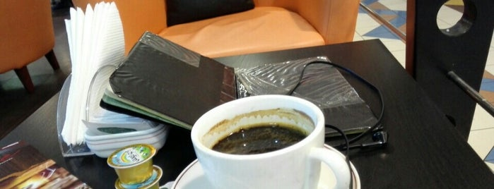 Tessare Cafe @ madinat Zayed Shopping Center is one of Iryna : понравившиеся места.