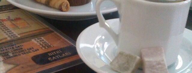 Cafe Aspar is one of Özdenur'un Beğendiği Mekanlar.