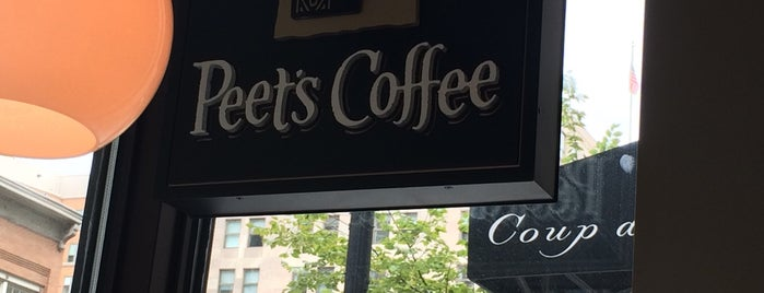 Peet's Coffee is one of Posti che sono piaciuti a Frey.